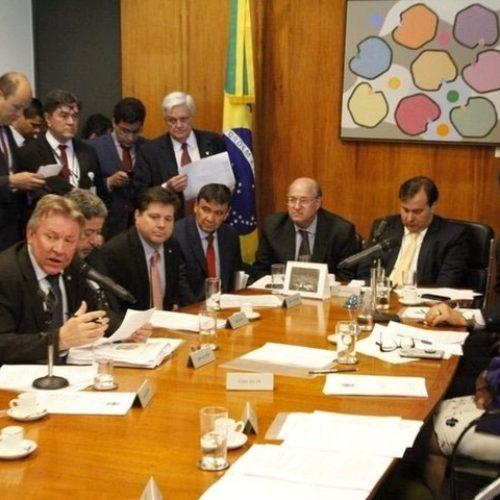 Wellington Dias debate sobre dívida dos estados com o presidente da Câmara