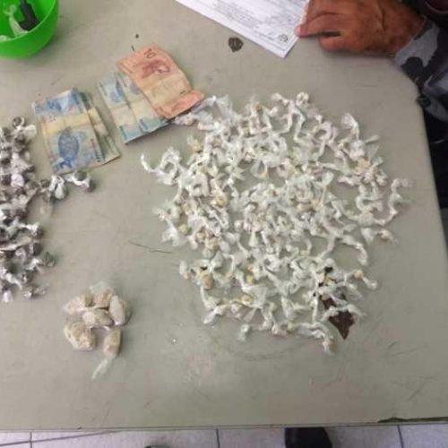 Polícia prende travesti com mais de 300 porções de drogas no Piauí