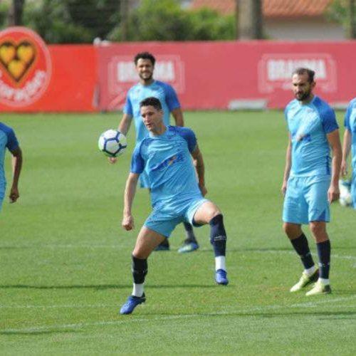 Jogador simonense é destaque em treino do Cruzeiro