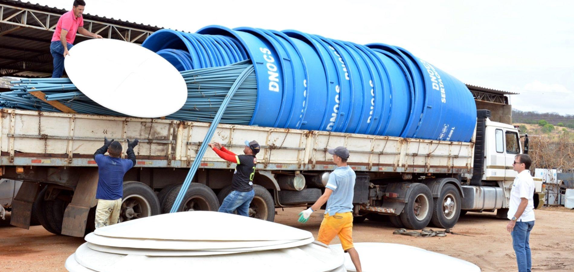 MASSAPÊ | Prefeito Chico Carvalho recebe material para equipar 10 poços