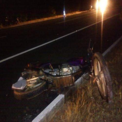 Homem morre após colisão entre carro e moto na BR-230