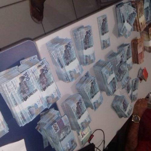 Suspeito de ter R$ 3 mi em notas falsas é investigado por vender dinheiro pela internet