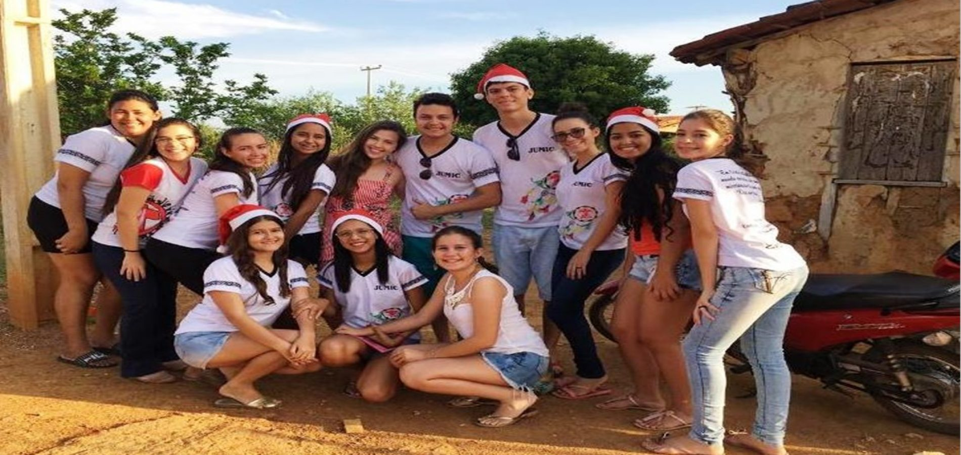 Grupo de jovens distribui cestas básicas e emociona famílias carentes de São Julião