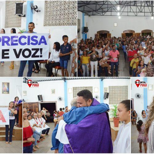 Em Isaías Coelho, missa reúne centenas de fiéis e população pede permanência do padre Francisco das Chagas