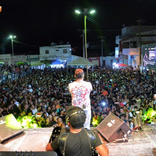 Em Jacobina, festa celebra o término de 2018 e a chegada de um novo ano; veja fotos