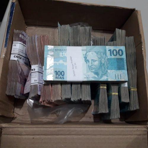 Homens tentam sacar R$ 97 mil em agência da Caixa e são presos por suspeita de estelionato