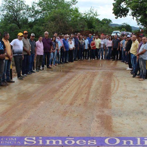 SIMÕES | Prefeito Zé Ulisses inaugura passagem molhada, poços tubulares e anuncia mais obras para o município