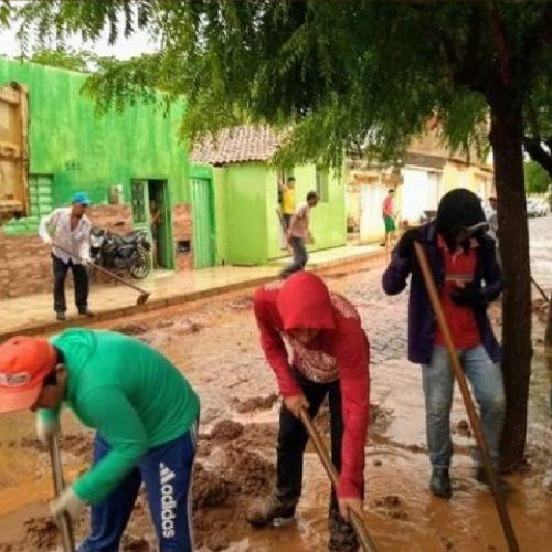Após chuvas, Secretaria de Serviços Públicos realiza mutirão de limpeza em vários bairros de Picos