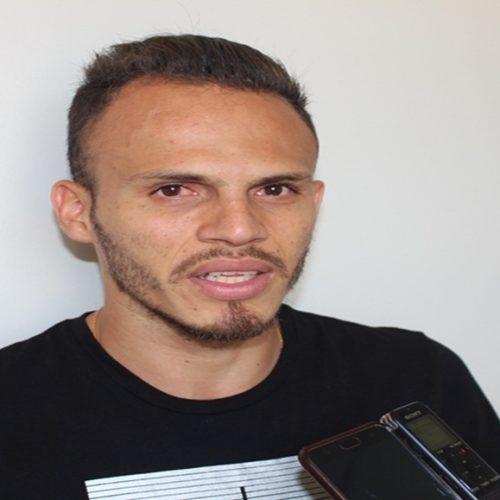 Em Picos, Renê fala sobre sonho de jogar na Europa