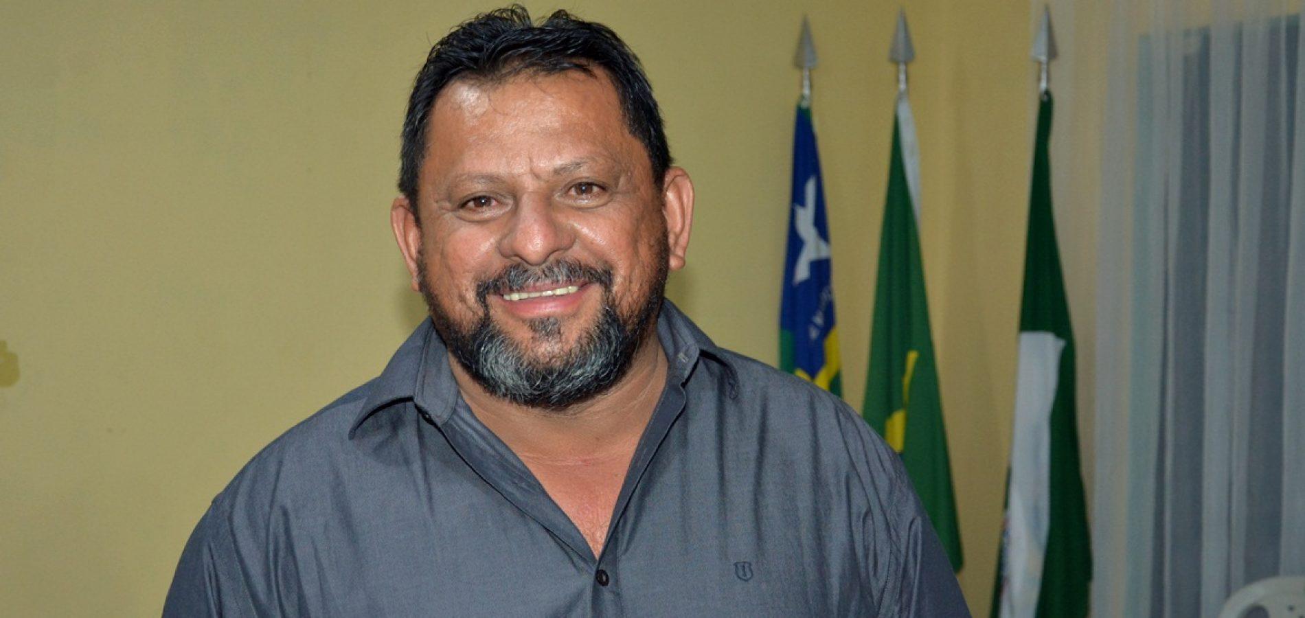 Prefeito Ademar anuncia atração gospel e divulga programação do aniversário de Belém do PI