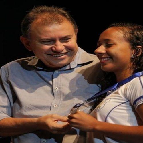 90% dos alunos premiados em Olimpíada são da rede estadual