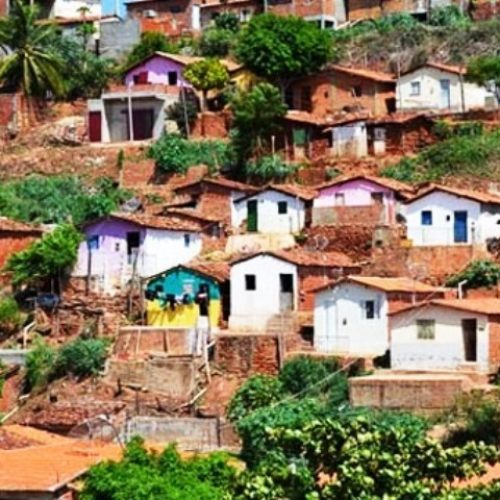 Moradores de áreas de risco se recusam a deixar casas em Picos
