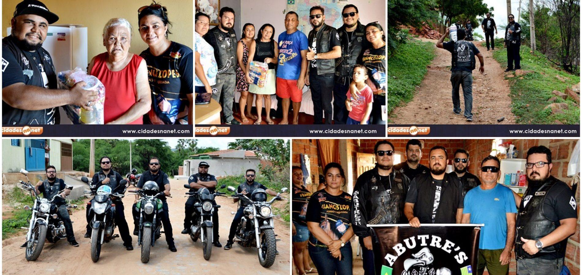 PICOS   Moto Clube Abutre`s distribui cestas básicas para famílias carentes; veja fotos