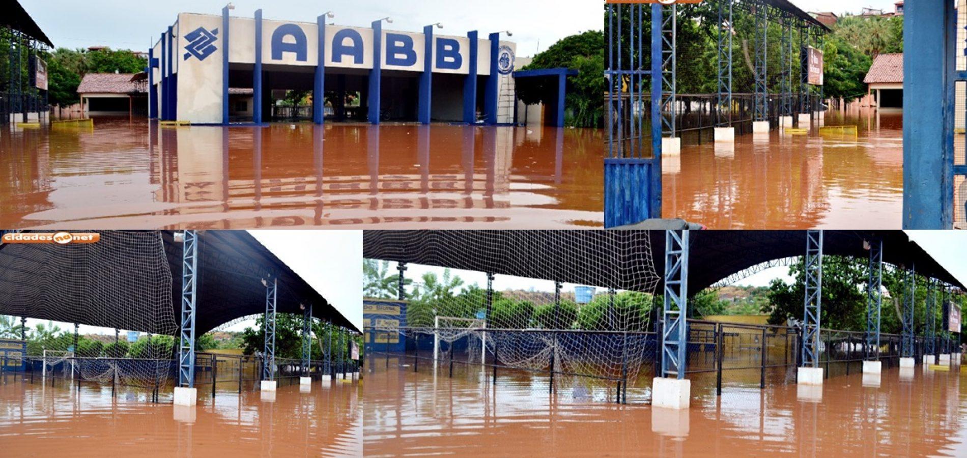 Enchentes provocam alagamento na AABB de Picos e causa prejuízo incalculável, aponta presidente; veja fotos