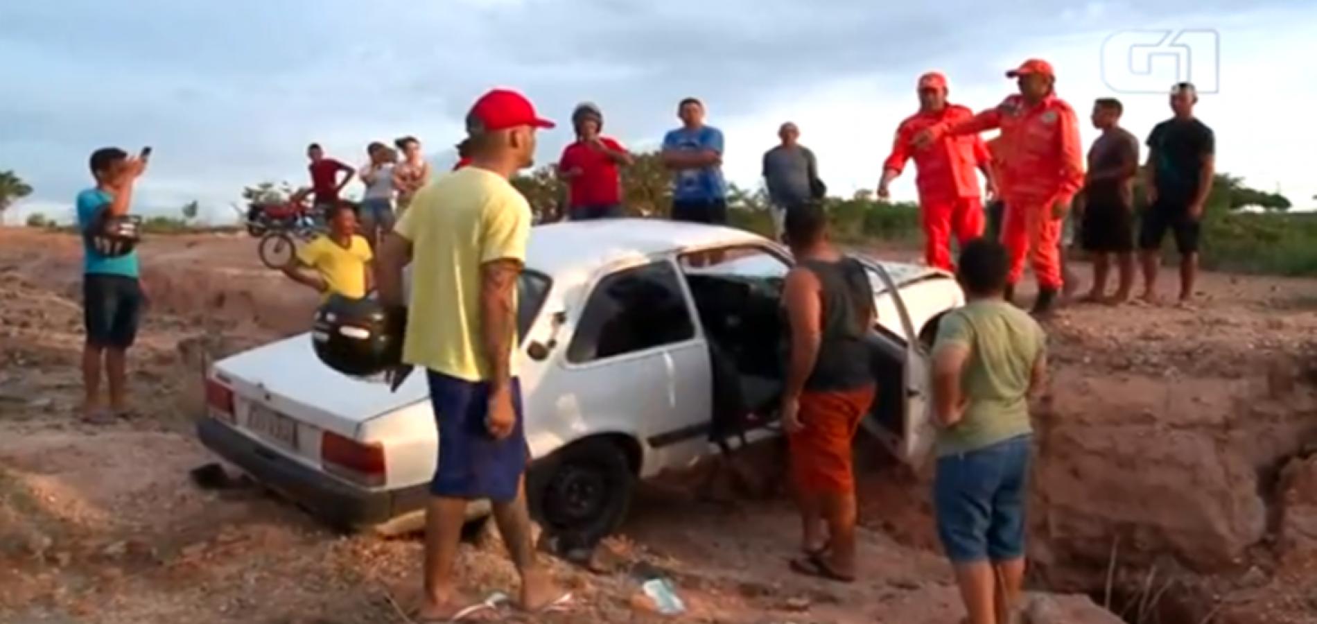 Motorista e passageiro ficam presos nas ferragens em acidente no Piauí