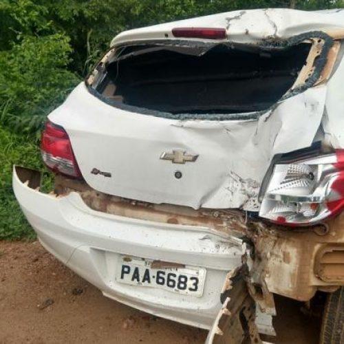Mulher morre após bater moto na traseira de carro no Piauí
