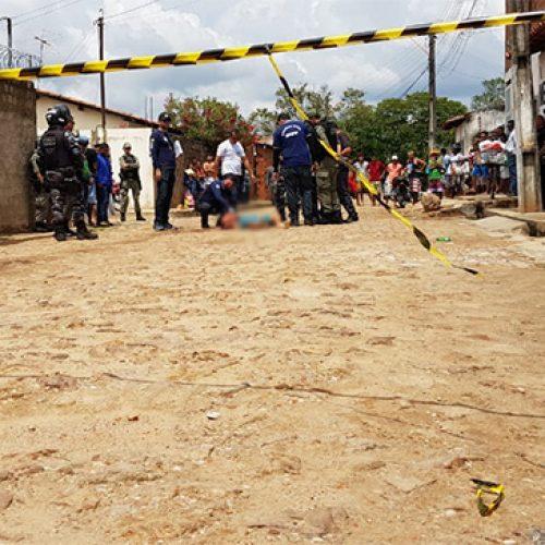 Jovem é assassinado a tiros no Piauí e arma deixada ao lado do corpo