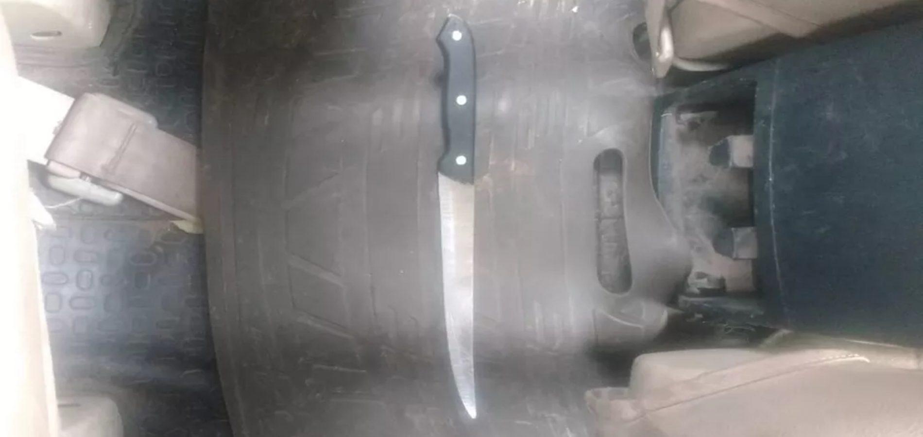 Mãe surta dentro de padaria e ameaça matar recém-nascido com faca