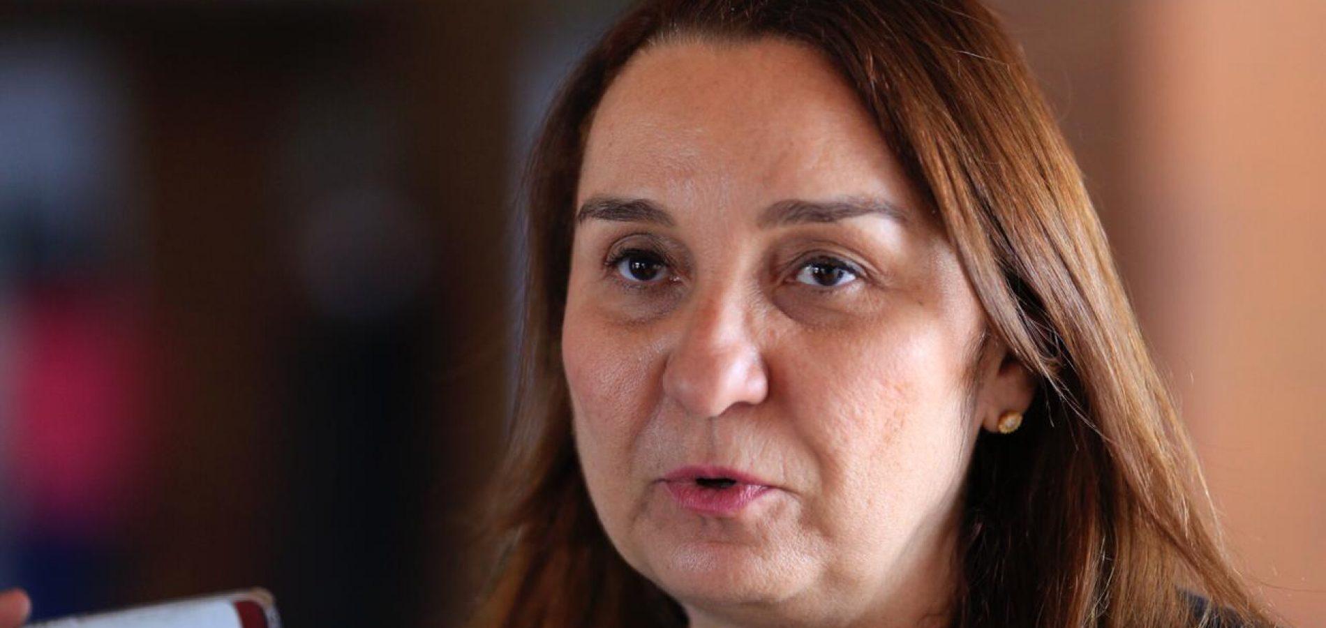 Flora Izabel declara apoio a Themístocles para presidente da Alepi
