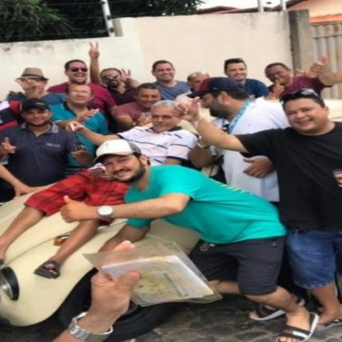 Clientes compram carro e presenteiam dono de bar no Piauí