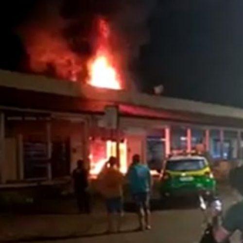 Incêndio atinge estabelecimento comercial na rodoviária de cidade do Piauí