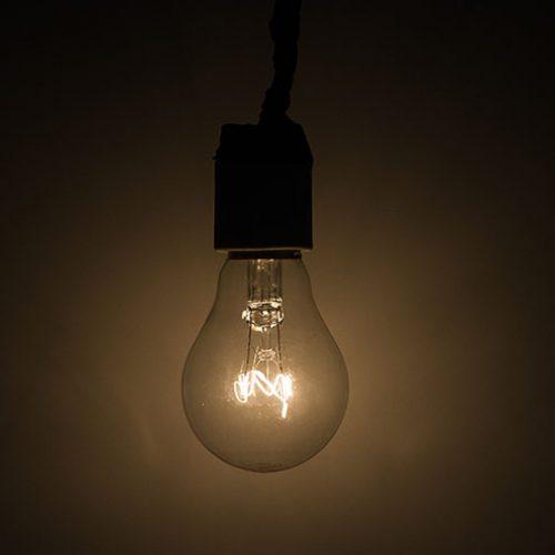 Brasil está em 4º lugar no ranking de países que mais cobram tributos nas contas de luz