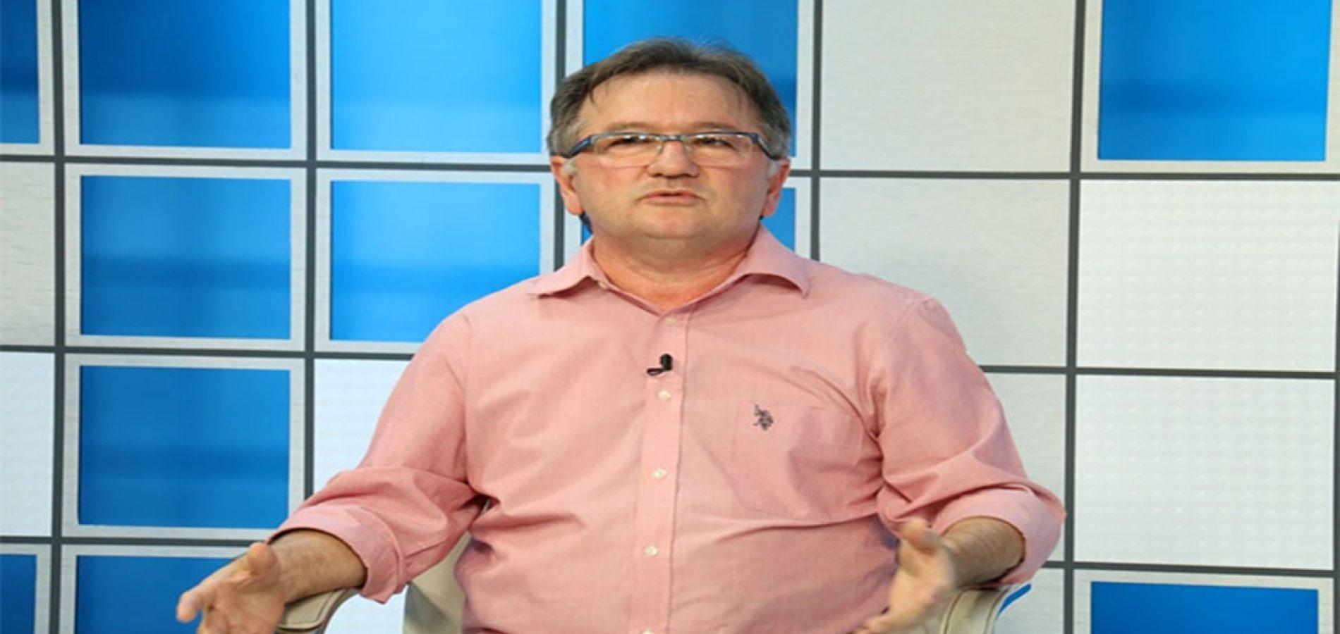 Merlong Solano é cotado para assumir a Secretaria de Administração