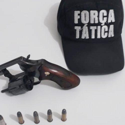 Homem é preso e revólver apreendido durante operação da PM em Jaicós