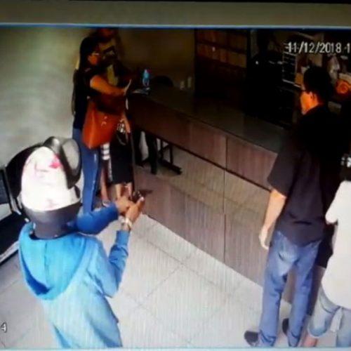 Bandidos roubam dezenas de relógios durante assalto no Piauí