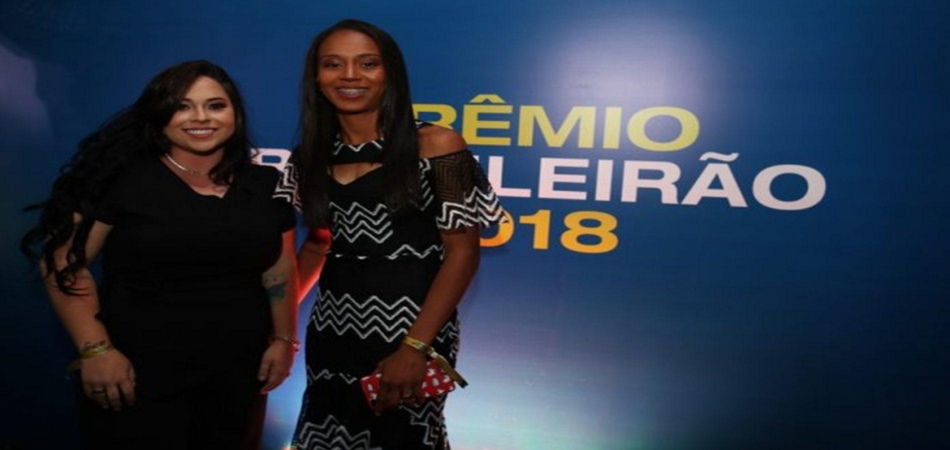 Piauiense que joga no Corinthians é eleita melhor meio-campista e craque do Brasileirão Feminino
