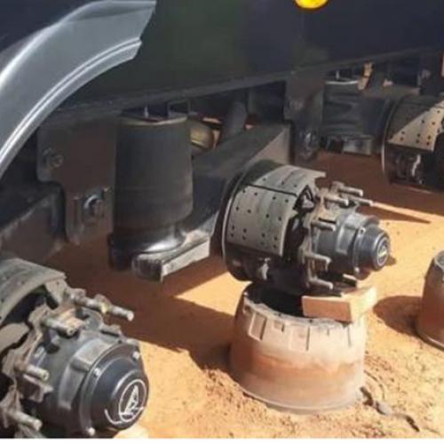 Caminhoneiro é sequestrado, amarrado e criminosos levam 18 pneus de carreta no interior do PI
