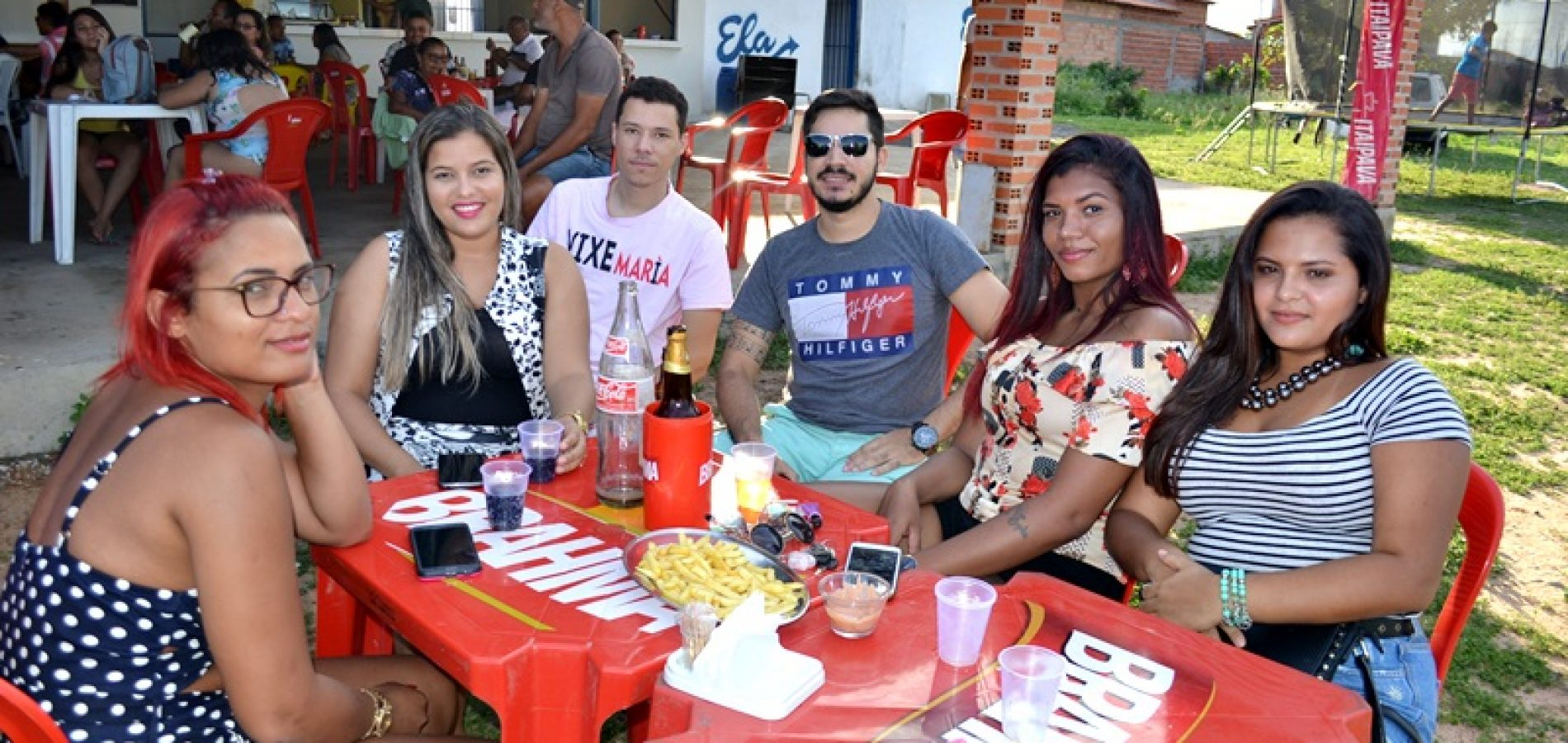 FOTOS | Veja quem participou do show com pagode A3 na AABB Jaicós