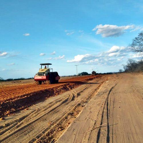 Obras de asfaltamento são retomadas e avançam em Jacobina do Piauí