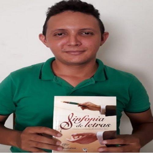 Picoense representa Estado do Piauí em feira de literatura LGBT no Ceará