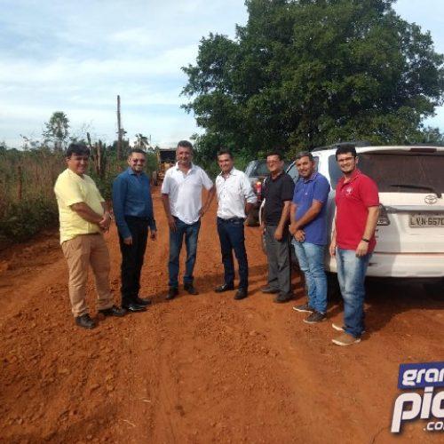 Prefeituras firmam parcerias para reparos em estradas vicinais que cortam Geminiano e Picos