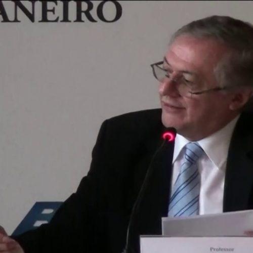 Presidente interino do FNDE é exonerado após polêmica com livros didáticos