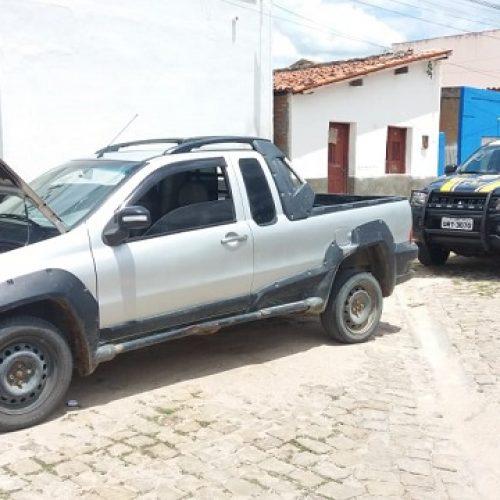 Veículo roubado em Brasília é apreendido pela PRF em Jaicós