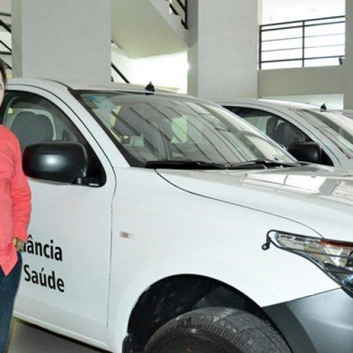 Prefeito Valdinar recebe veículo para a Vigilância em Saúde de Padre Marcos