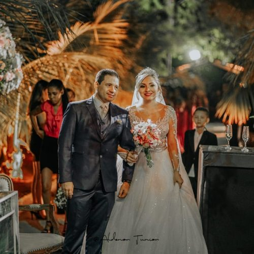 GENTE EM EVIDÊNCIA | Aline Santos e Rogério Xavier celebram união e realizam grande festa em Caridade do Piauí