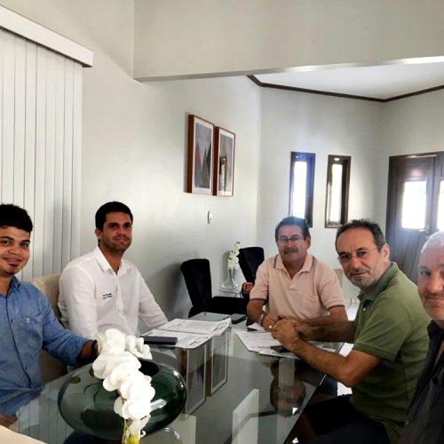 ALAGOINHA | Prefeito Jorismar Rocha projeta geração de energia solar para atender órgãos públicos do município