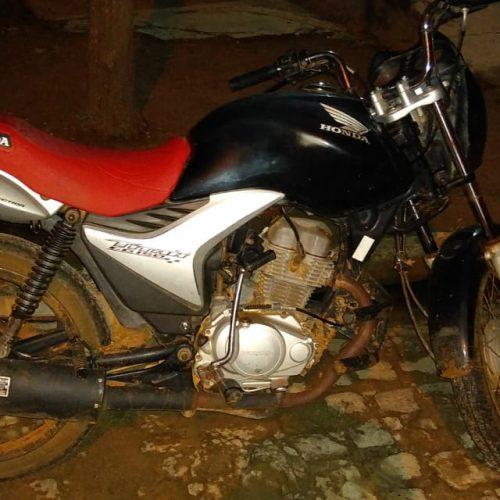PM recupera motocicleta roubada na BR-407 em São João da Canabrava