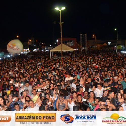 Shows atraem multidão para Padre Marcos e festa é considerada a maior da história