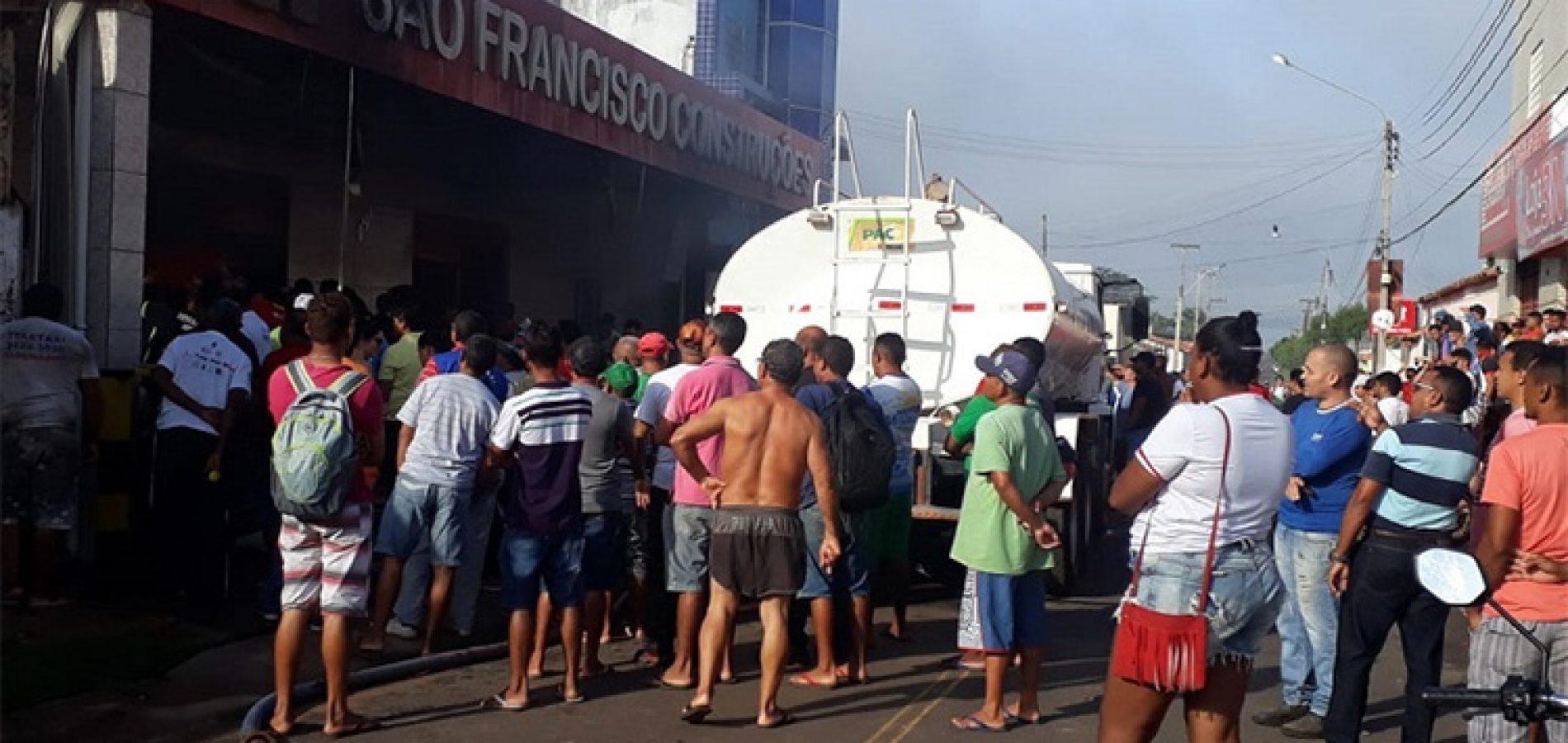 Incêndio atinge loja de material de construções no Piauí