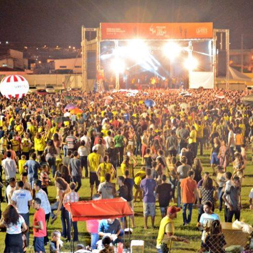 """Impacto Sertão Livre reúne multidão em shows; """"Estamos vivendo um momento de graça na cidade de Picos"""" diz prefeito"""