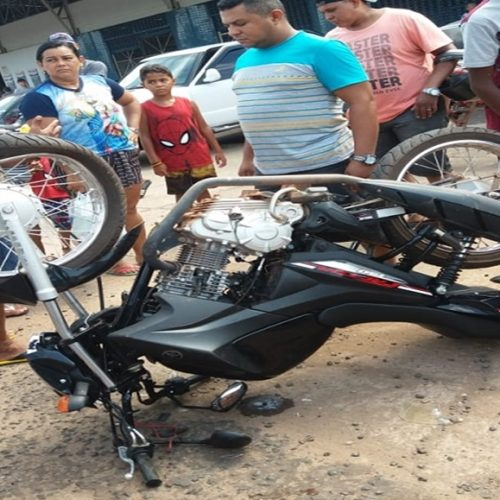 Jovem fica ferido após carro colidir em motocicleta no Piauí