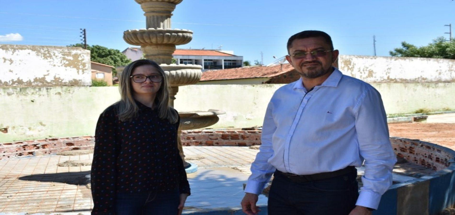 Prefeitura de Picos dá início à revitalização das praças públicas