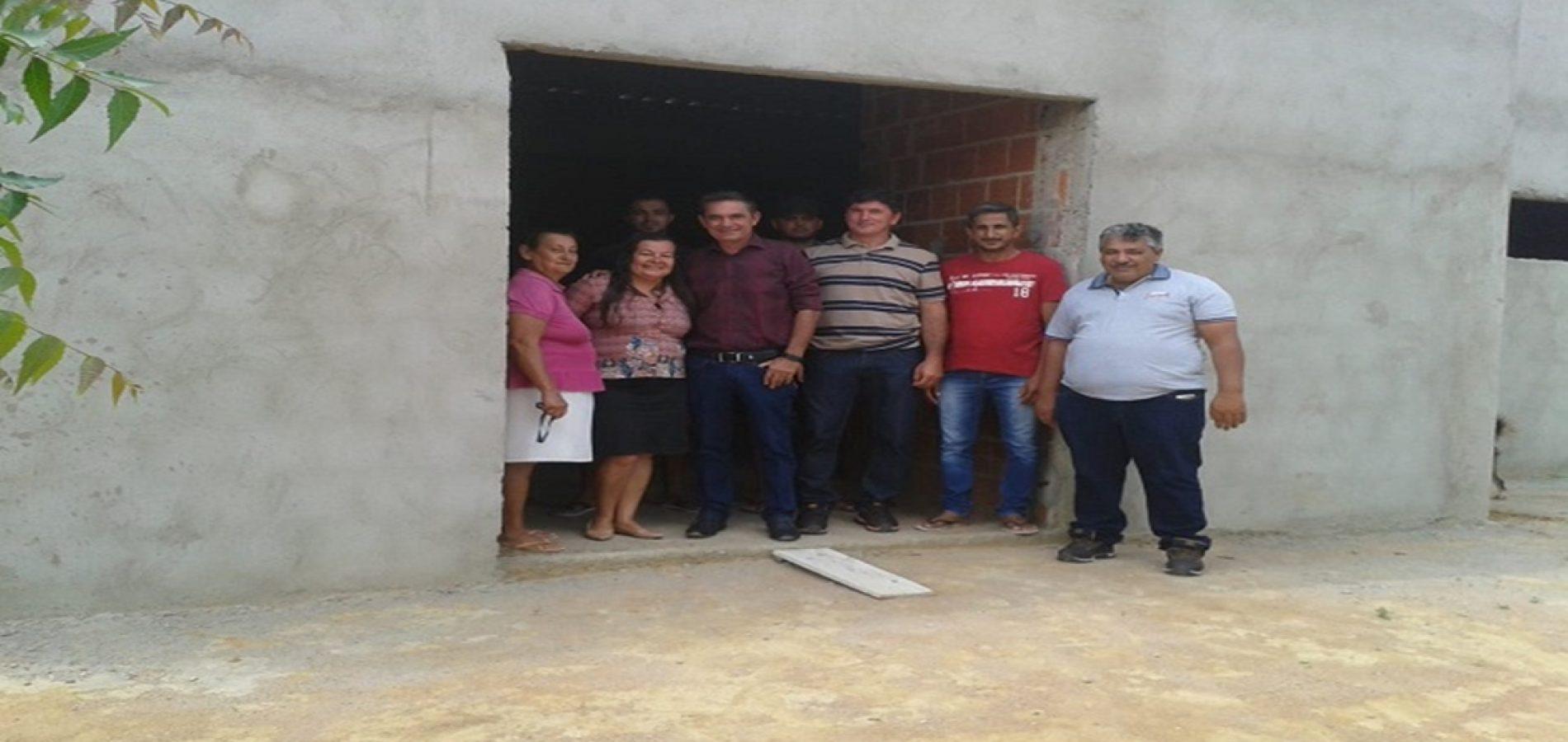 Prefeito Erculano vistoria obras em execução na zona rural de Geminiano