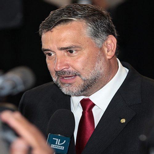 PT entrará com Adin no STF contra decreto sobre posse de armas, diz deputado