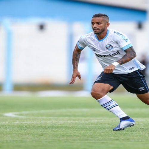 Rômulo estreia e Grêmio vence a primeira no Gauchão