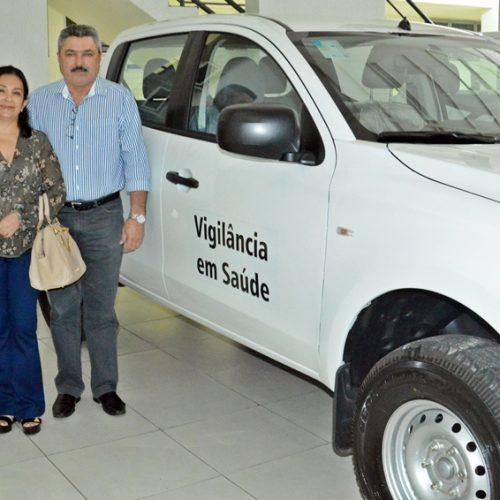 Em Teresina, prefeito Zé Ulisses recebe novo veículo para reforçar a Saúde em Simões